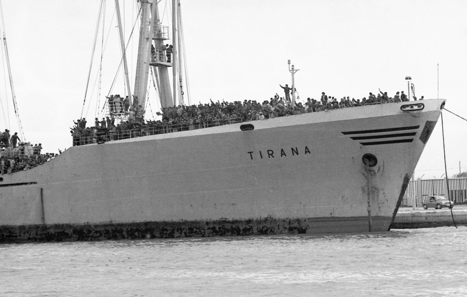 Primi sbarchi di profughi albanesi in Italia - marzo 1991